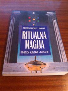 Ritualna magija od Nowicki